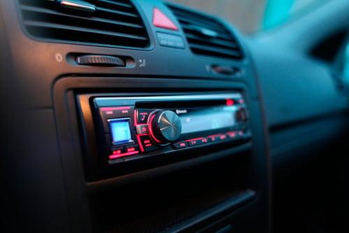 configurar_la_radio_para_el_coche