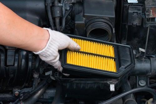 filtro-de-aire-amarillo-coche