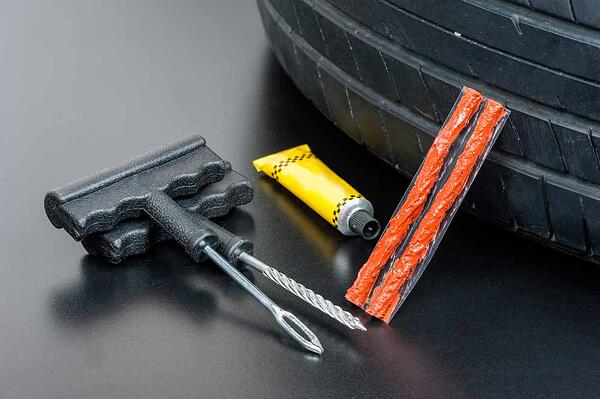 kit-emergencia-reparar-pinchazo
