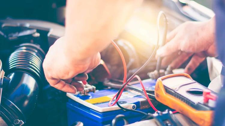 batería mantenimiento del coche-1