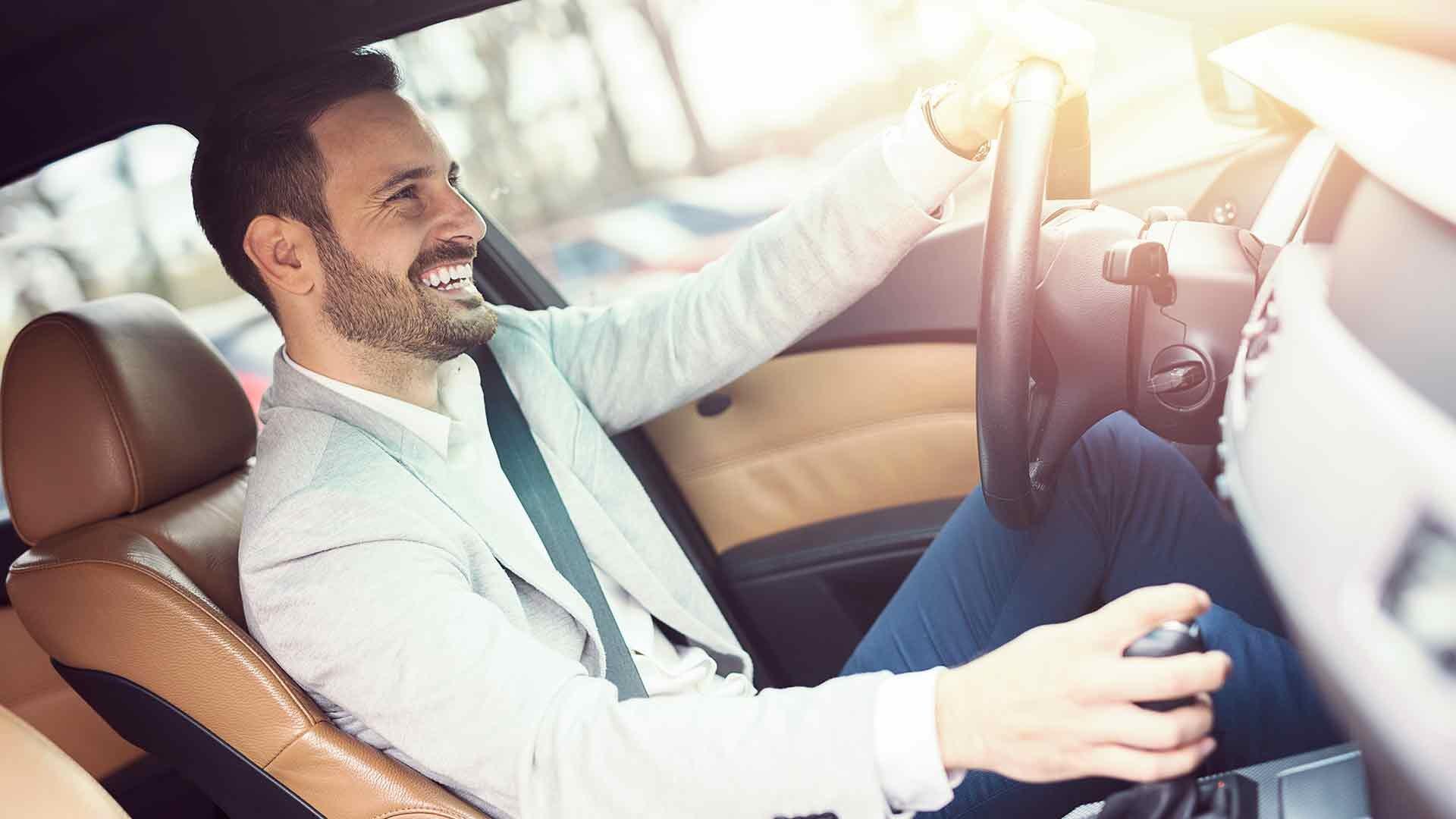 persona-conduciendo