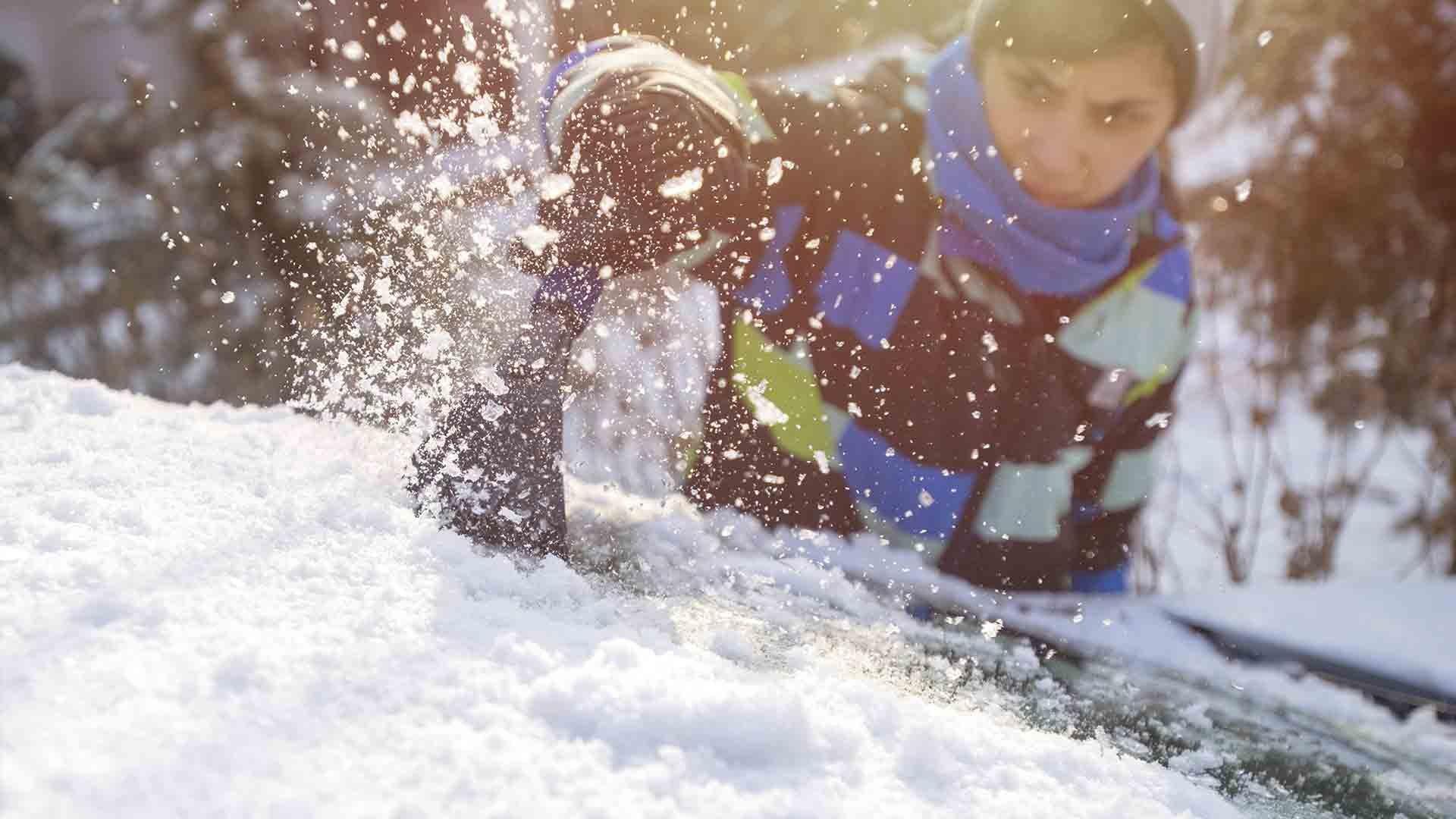 que-hacer-coche-cubierto-de-nieve