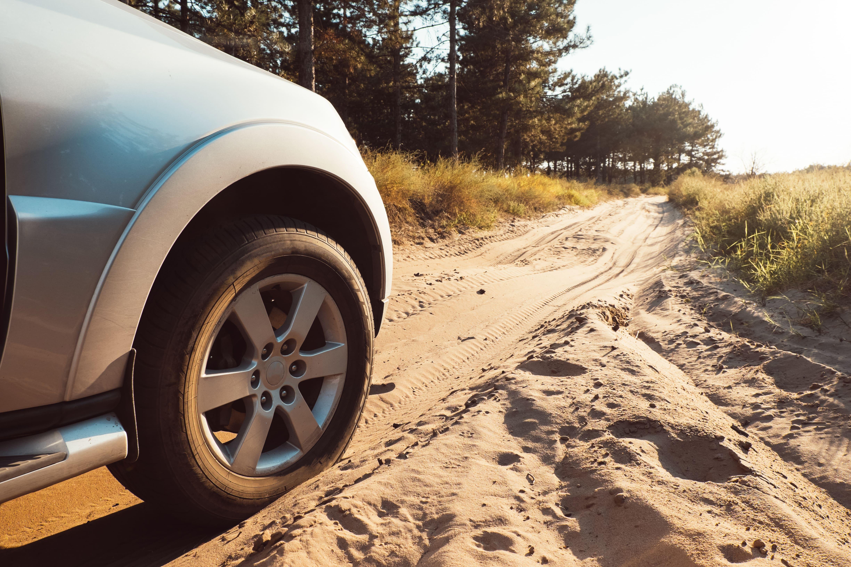 Llega el verano, ¿hora de cambiar los neumáticos?