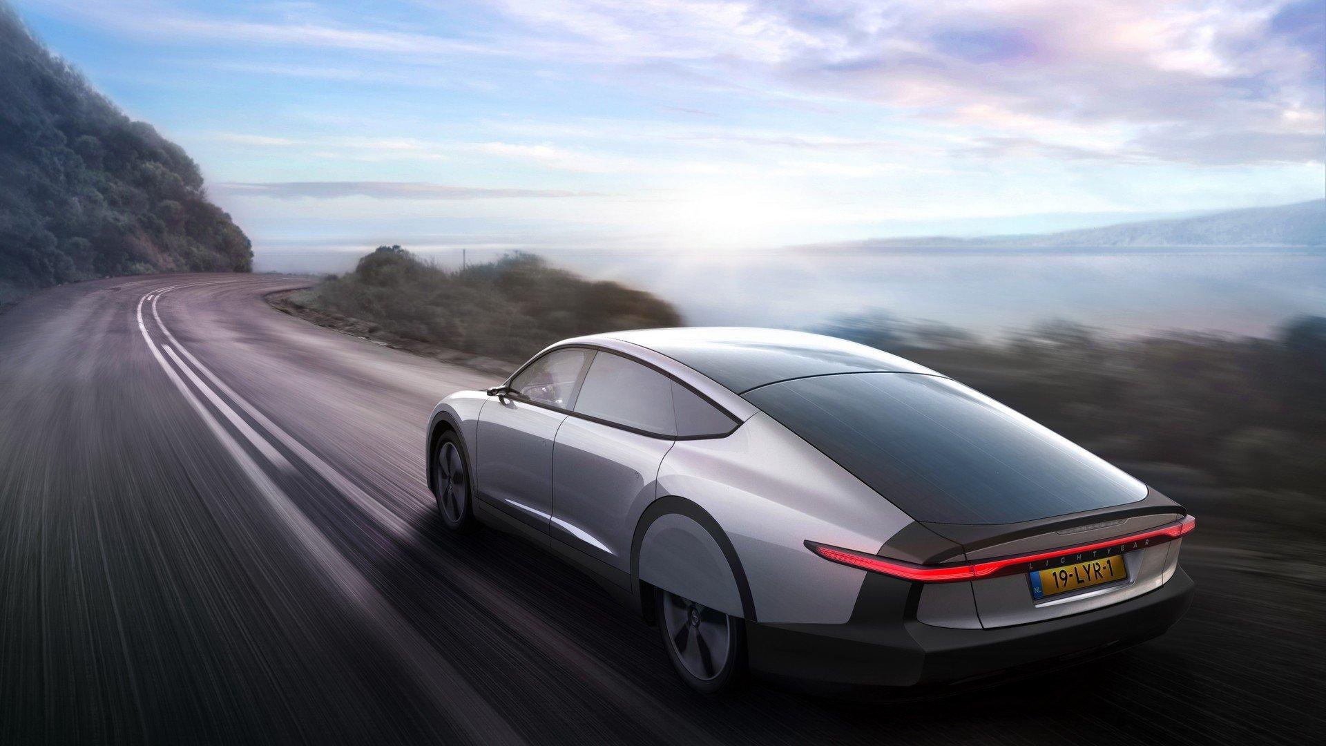 Energía solar para mover coches: ¿es posible?