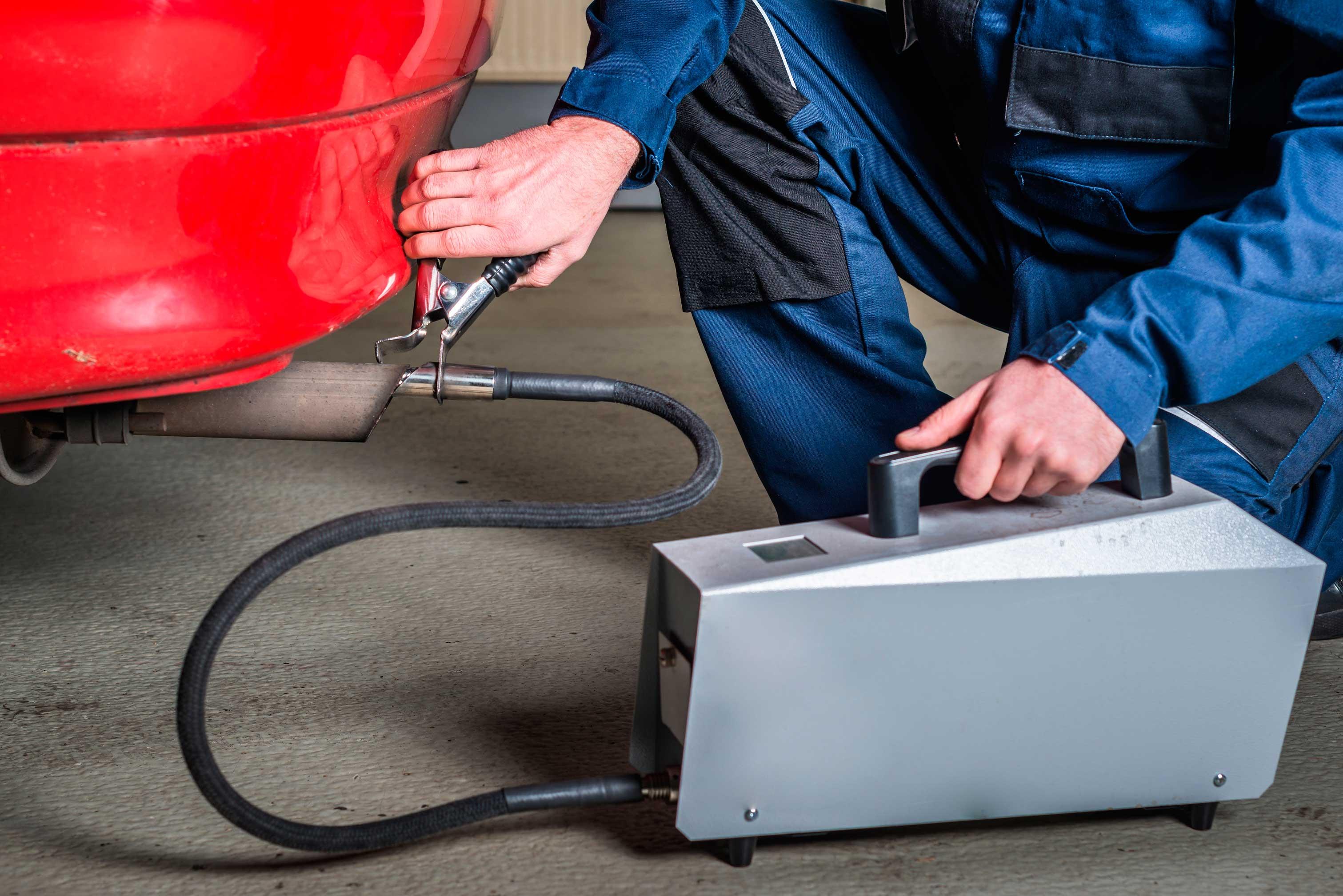 ¿Qué hacer si no paso la ITV por los gases del coche?